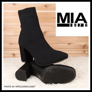 BLACK ANKLE BOOTIES STRETCH MOTO BOOTS A3C